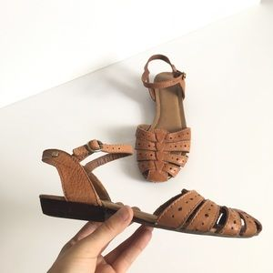 Vintage G. H. Bass Genuine Leather Tan Sandals
